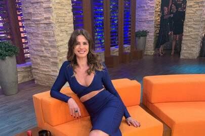 """Luciana Gimenez surge sem calcinha e fãs elogiam: """"Assim você mata a gente"""""""