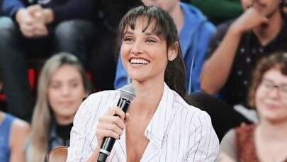 """Débora Nascimento comenta sobre a vida de solteira: """"Não é um homem que nos define"""""""