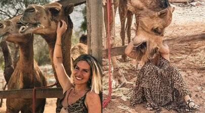 Giovanna Ewbank é atacada por camelo durante viagem