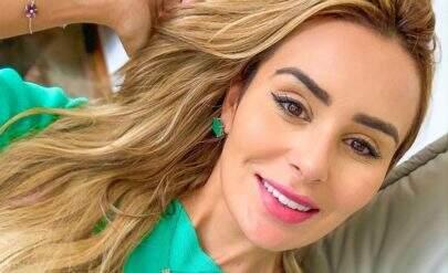 """Ex-BBB Letícia Santiago faz cirurgia em região íntima e revela: """"Está roxinha e inchada"""""""