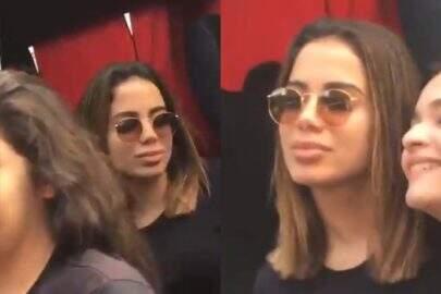 """Anitta se irrita ao ser criticada por não sorrir em fotos com fãs: """"Desisto"""""""