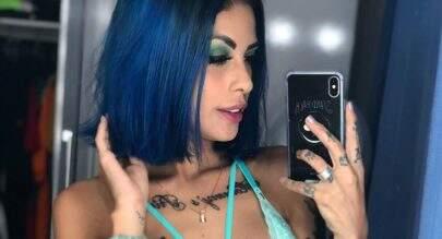 """Tati Zaqui posa de lingerie transparente e provoca fãs: """"Cinco anos de azar para quem der zoom"""""""