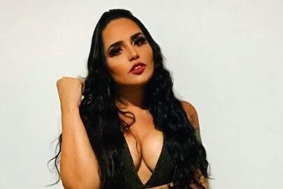 """Após separação, Perlla comemora solteirice com roupa transparente: """"Parar de ser otária"""""""