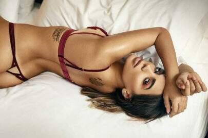 """Anitta puxa calcinha no limite e fala da adolescência: """"Adorava seduzir"""""""
