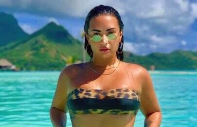Hater diz que Demi Lovato precisa perder peso e cantora rebate da melhor forma