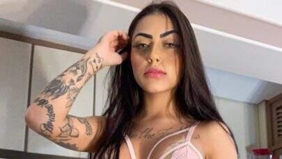 """MC Mirella posa de lingerie semitransparente e ostenta corpão: """"Que perfeição"""""""