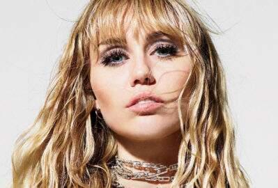 Avião que Miley Cyrus estava quase sofre acidente grave