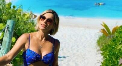"""Flávia Alessandra exibe corpão de body: """"Quanta perfeição em uma mulher"""""""