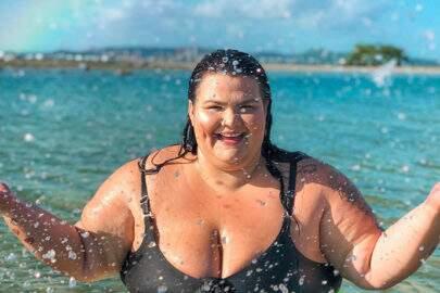 """Thais Carla responde críticas sobre seu corpo: """"Bem resolvida com o jeito que sou"""""""