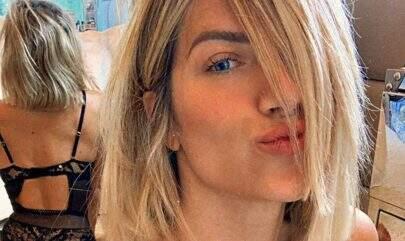 Giovanna Ewbank posa com look transparente e deixa curvas em evidência