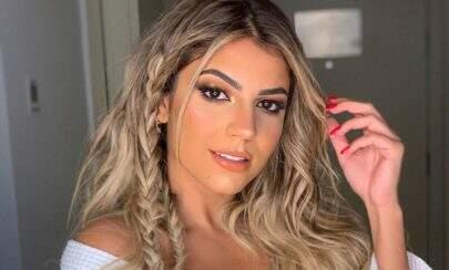 Ex-BBB Hariany Almeida posa de lingerie e ostenta curvas