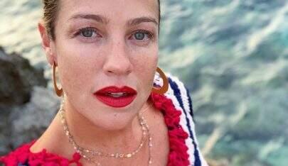 """Luana Piovani comemora fase de solteira e dispara: """"Com o rodo na mão, papai"""""""