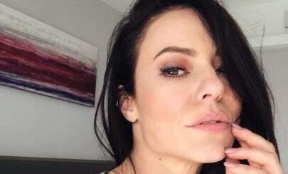 """Paolla Oliveira posta vídeo dançando e seguidora dispara: """"Ok, eu não sou hétero"""""""