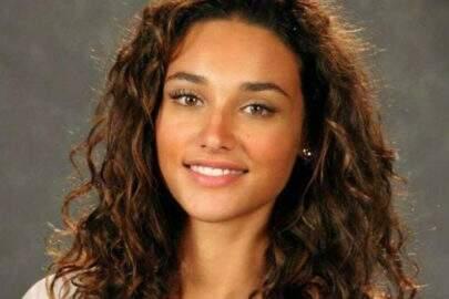 Débora Nascimento diz que renasceu após separação e se conectou ainda mais com a filha