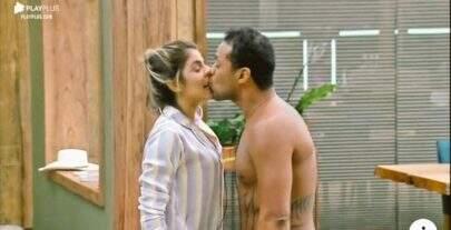 A Fazenda 11: Phellipe beija Hariany sem permissão e pode ser expulso por assédio