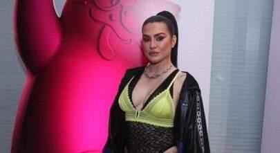 """Após sofrer gordofobia, Cleo posa sensual no Instagram e é elogiada: """"Isso é corpão!"""""""