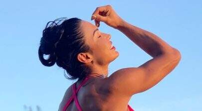 De biquíni, Gracyanne Barbosa faz drenagem e mostra corpão musculoso