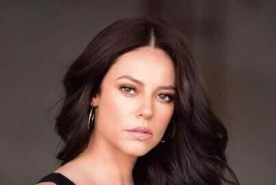 """Paolla Oliveira surge loira e relembra foto em banheira: """"Que espetáculo de mulher"""""""