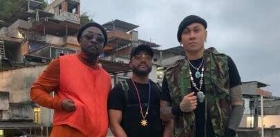 """Black Eyed Peas aparece em favela do Rio de Janeiro: """"Uma música nova"""""""