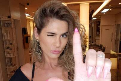 """Lívia Andrade mostra tratamento com creme e fãs elogiam: """"Cresceu"""""""