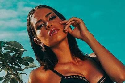 Ex-BBB, Adriana Sant'Anna ostenta bronzeado em clique ousado