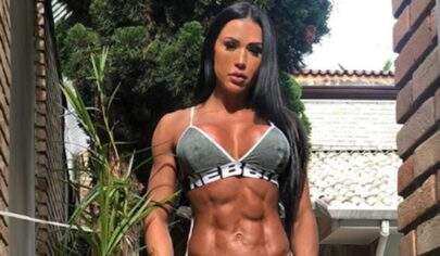 """Gracyanne Barbosa posta vídeo em pole dance e fãs disparam: """"Que perfeição!"""""""