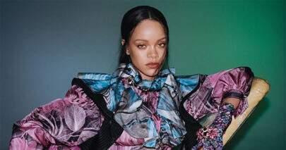 Rihanna posta vídeo ouvindo música de Chris Brown e fãs ficam chocados