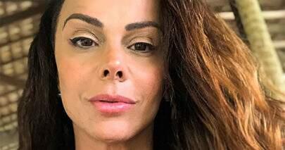 "Viviane Araújo esbanja boa forma em look de Carnaval: ""Avassaladora"""