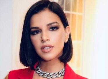 "De top, Mariana Rios posta vídeo rebolando muito ao som de funk: ""Surra de sensualidade"""