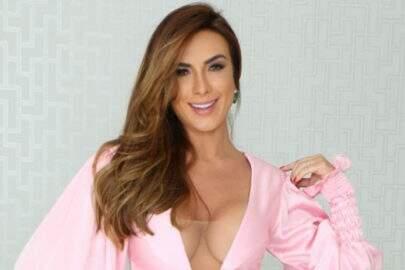 """De lingerie, Nicole Bahls exibe curvas perfeitas e fãs vão à loucura: """"Dona sedução"""""""