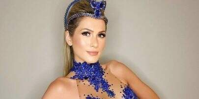 """Lívia Andrade posa de vestido transparente e fã dispara: """"Tá muito magra"""""""
