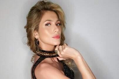 """Lívia Andrade aposta em vestidinho transparente e quase mostra demais: """"Dona da sensualidade"""""""