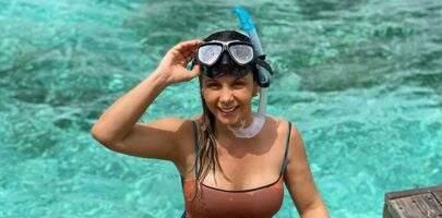 """Carla Perez ostenta corpão aos 41 anos com fotos nas Maldivas: """"Que espetáculo"""""""