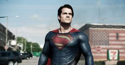 """Henry Cavill se pronuncia sobre rumores de que não interpretaria mais o """"Superman"""""""