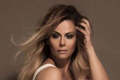 Só de lingerie, Viviane Araújo posta clique deitada na cama e fãs vão à loucura
