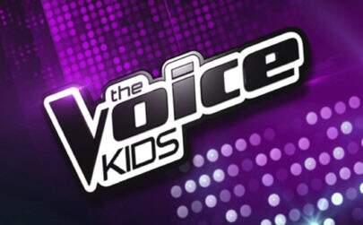 Cantora do The Voice Kids sofre acidente ao ter cabelo preso em parque