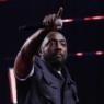 """Will.I.Am, do Black Eyed Peas, diz ter sido alvo de racismo em voo: """"Mandou a polícia atrás de mim"""""""