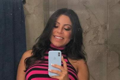 """Grávida, Andressa Ferreira aproveita sol e piscina: """"Enquanto tenho tempo livre"""""""