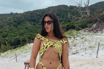 Hana Khalil anda de buggy e compartilha experiência com os fãs