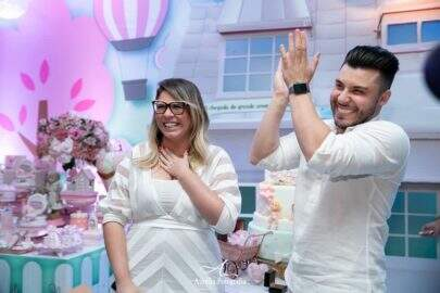Marília Mendonça dá à luz seu primeiro filho, Léo