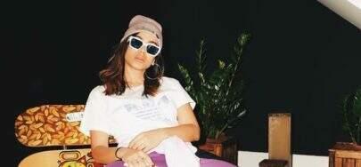 Anitta posta foto com look diferenciado e arranca elogios dos seguidores