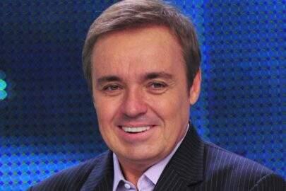 Amigo de Gugu Liberato faz tatuagem do rosto do apresentador