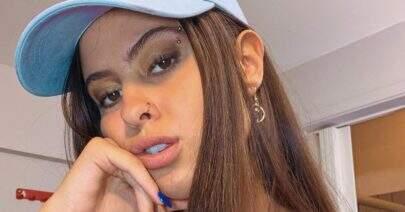 """Hana Khalil ostenta boa forma em clique 'frente e verso': """"Insuportável de tão linda"""""""