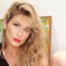 """Lívia Andrade posta clique poético e fã dispara: """"Você me fascina"""""""