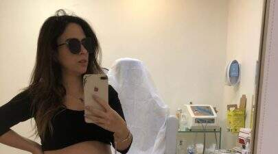 "Tata Werneck publica foto fofa da filha, Clara Maria: ""Me sinto observada"""