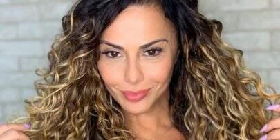 """Só de body, Viviane Araújo exibe pernões sarados: """"Espetáculo"""""""