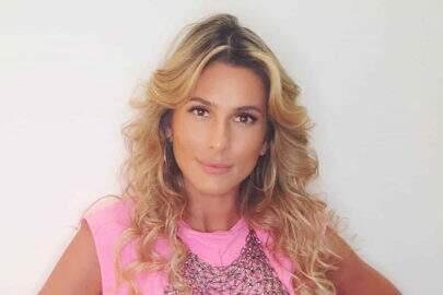 Lívia Andrade comenta adiamento de ensaio de maneira inusitada