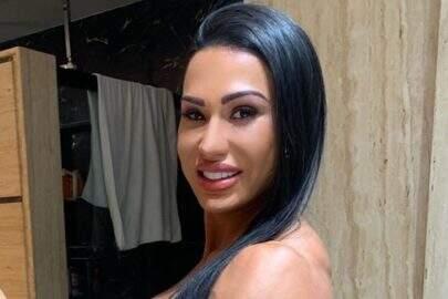 Gracyanne Barbosa participa de meme com fotos de ensaio