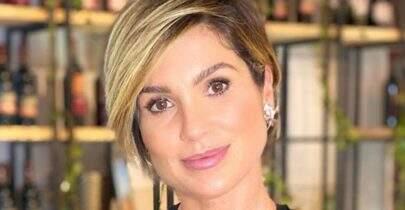 """Flávia Alessandra quebra internet ao postar clique em piscina: """"Sereia!"""""""
