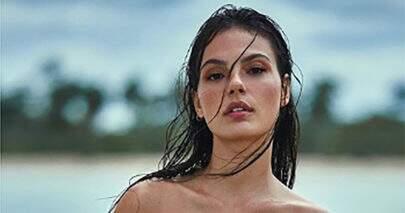 """Isis Valverde relembra clique com amiga na praia e mostra saudade: """"Tempo bom"""""""
